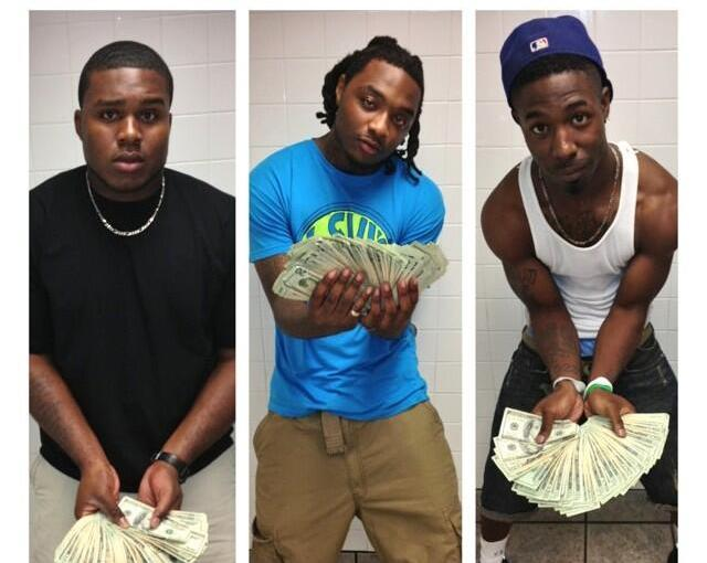 Alabama Player Instagrams Pic with Wads of Cash. NobodySurprised